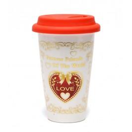 Красива керамична чаша със сърце