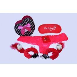Еротичен комплект с белезници, бельо, домино, зарчета и перца в кутия сърце
