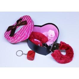 Еротичен подаръчен комплект в кутия във формата на сърце