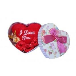 Подаръчна кутия със сърце, рози и ангелче