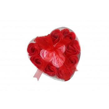 Кутия във формата на  сърце с 12 сапунчета розички
