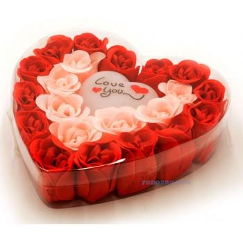 Романтичен подарък за 8-ми март светещо сърце в кутия и сапунчета розички