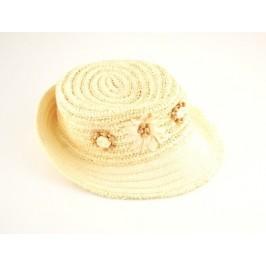 Красива дамска плетена шапка