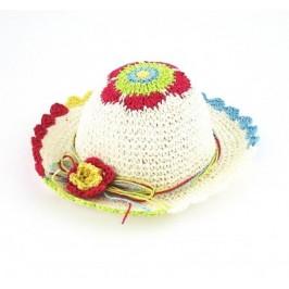 Красива плетена шапка с декоративно цвете