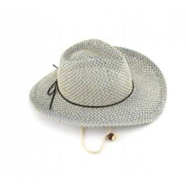 Красива дамска плетена шапка с регулиращи връзки