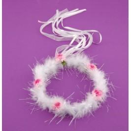 Красиво венче, декорирано със сатенени рози, ресни и пух