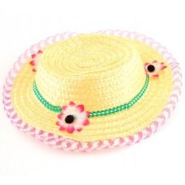 Лятна шапка с декоративни цветя