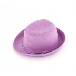 Красива плетена шапка