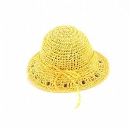 Красива плетнена лятна шапка, декорирана с мъниста