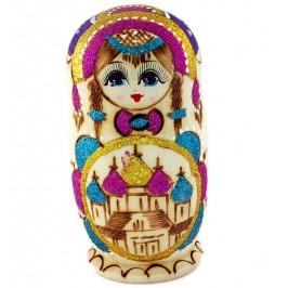 Декоративна дървена фигурка - пет броя матрьошки с красива пирография и цветни елементи