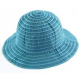 Красива дамска шапка от плат