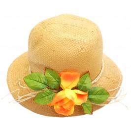 Красива дамска лятна шапка с декоративни цветя от плат