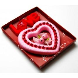 Сърце брокат с декорация - сатен, перли и надпис Love