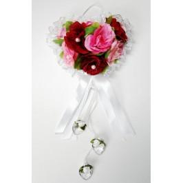 Декоративно сърце, изработено от дантела, стилни рози от плат, панделки и кристали