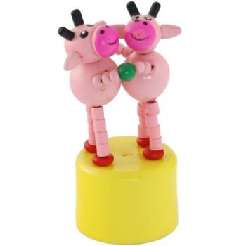 Сувенирна дървена фигурка - крави с поставка - 7см