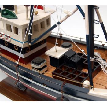 Сувенирен рибарски кораб - макет, изработен прецизно в детайли - 45см