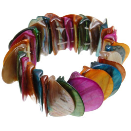 Гривна на ластична основа, изработена от цветен седеф във формата на пречупена паричка