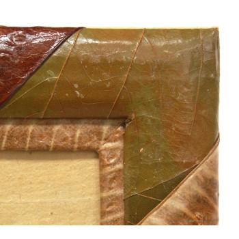 Красива рамка, декорирана с палмово листо