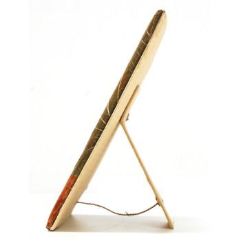 Красива рамка, декорирана с палмов лист