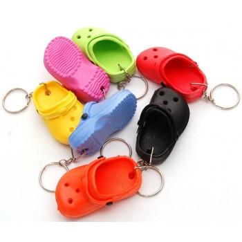Сувенирен цветен ключодържател - джапанка - 9х4см
