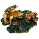 Декоративна метална кутийка за бижута - жабка с малка жабка върху зелен лист