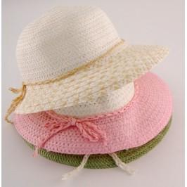 Красива плетена дамска шапка с голяма периферия