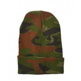 Зимна мъжка шапка в камуфлажен десен