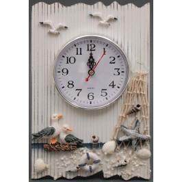 Сувенирен дървен стенен часовник, красиво декориран с морски мотиви
