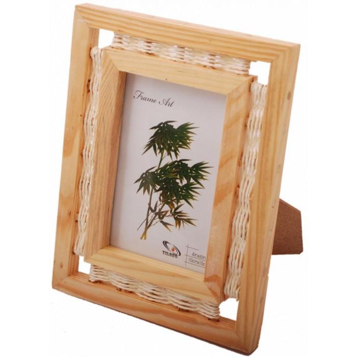 Красива дървена фоторамка за снимка