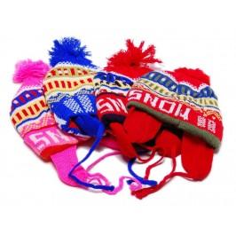 Детска плетена шапка с връзки и пискюл