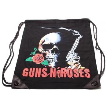 Мешка, изработена от черен бризентов плат с две щампи и черни въжета - GUNS&ROSES