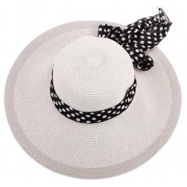 Красива двуцветна шапка с голяма периферия