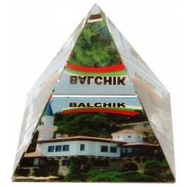 Сувенирна стъклена пирамида отразяваща - двореца в Балчик