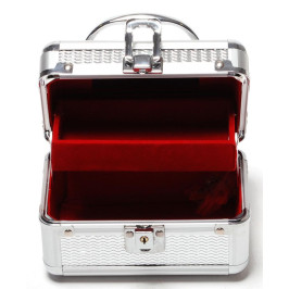 Стилна кутия за бижута, изработена от метал