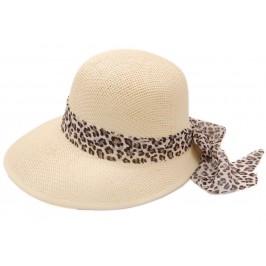 Лятна дамска плетена шапка с периферия - кремава