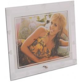 Стъклена рамка за снимка, красиво украсена със сребърни кантове и сърца