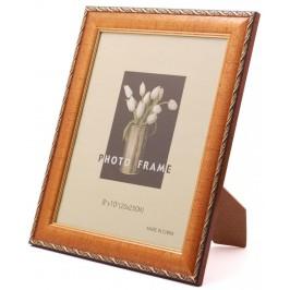 Красива фоторамка за снимки, украсена с орнаменти и вътрешен кант
