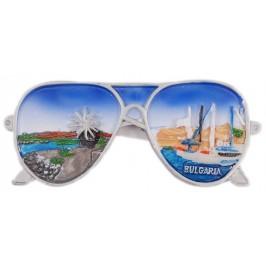 Декоративна фигурка - очила с магнит, изработена от полирезин