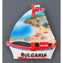 Декоративна релефна фигурка с магнит - платноходка - морски бряг с лодки, България