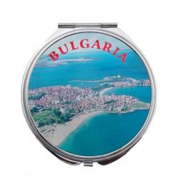 Сувенирно джобно огледало метал, декорирано с лазерни инкрустации - плажовете в Созопол и мъж и жена в народни носии