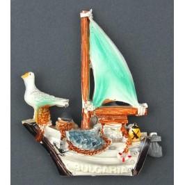 Декоративна фигурка с магнит във формата на платноходка с чайка - България