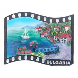 Магнитна релефна фигурка във формата на кино лента с морски мотиви - алея и къщички, България