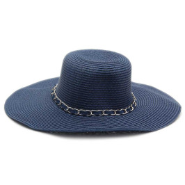Стилна дамска шапка с декоративна верижка