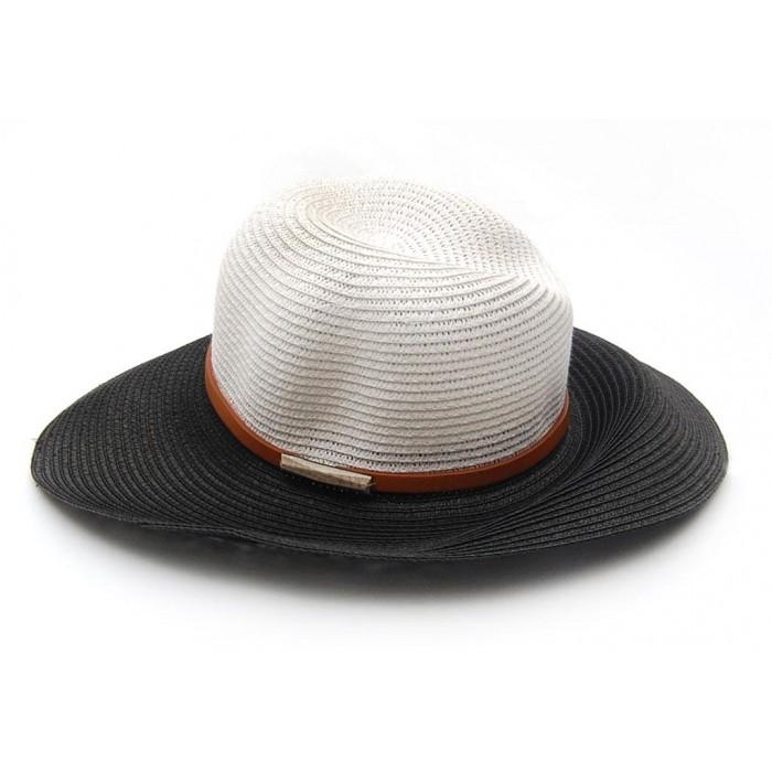 Плетена дамска шапка с черна периферия