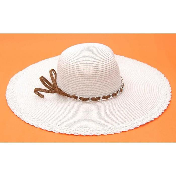 Дамска плетена шапка с декоративна лента