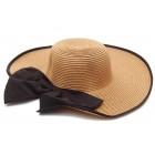 Дамска плетена шапка с панделка - папионка