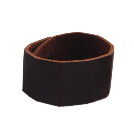 Красива кожена гривна с метални капси за закопчаване