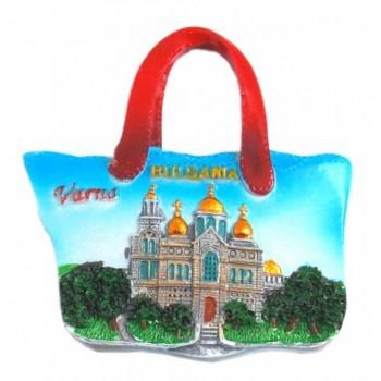 Декоративна релефна фигурка във формата на плажна чанта - катедралата във Варна