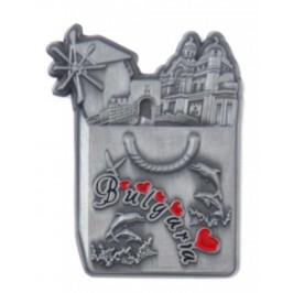 Метална магнитна фигурка във формата на чанта с морски мотиви - старата мелница в Несебър и катедралата във Варна