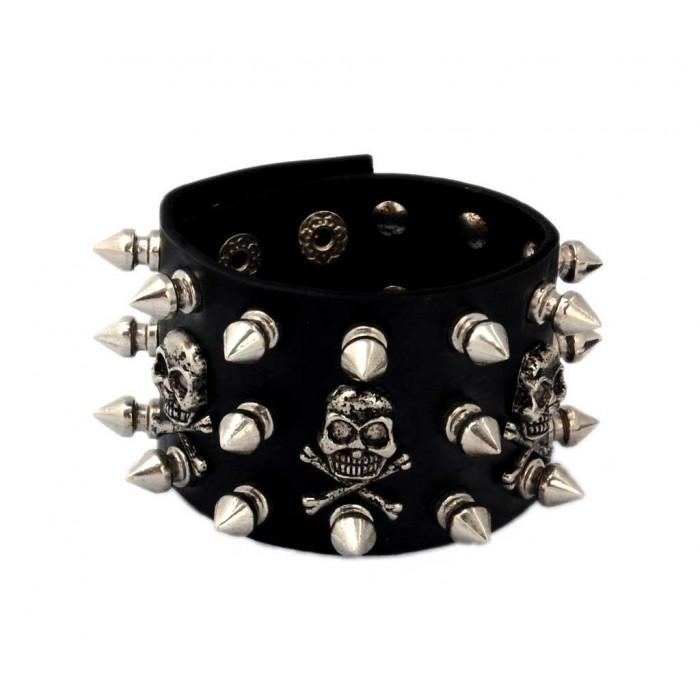 Красива кожена гривна с метални черепчета и шипове